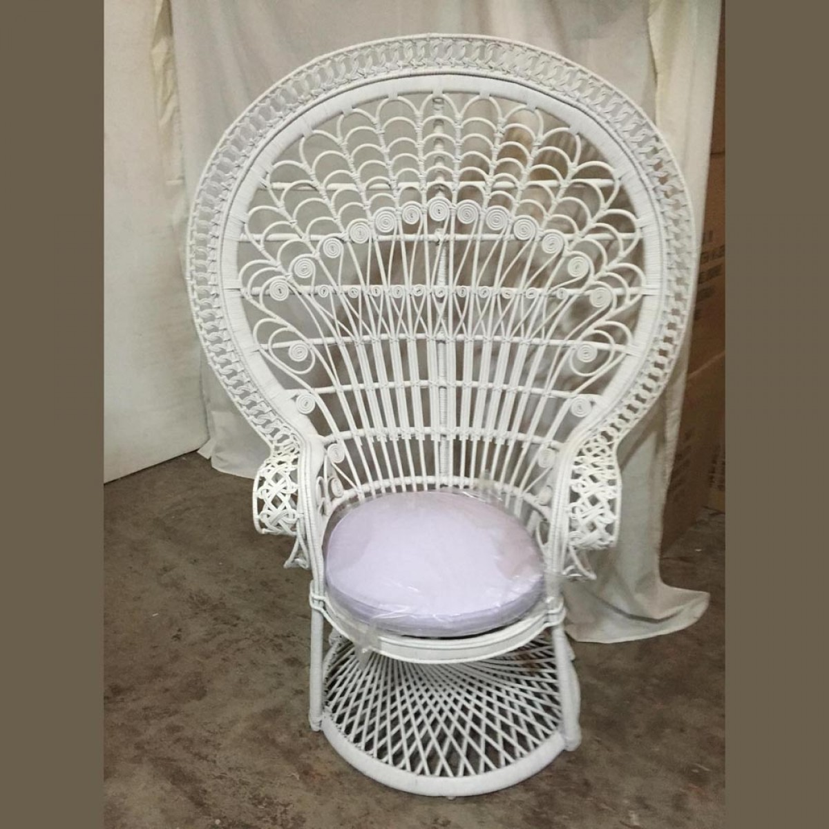 Peacock Chairs Artificial Trees And Flowers Wholesale